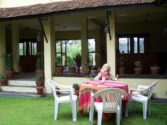 Planet Bhaktapur Hotel: Particolare del giardino interno al Planet Bhaktapur