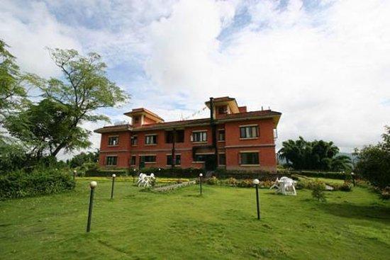 Planet Bhaktapur Hotel: Il Planet Bhaktapur visto dal giardino a sud