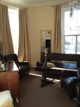 Town House Rooms: room 5
