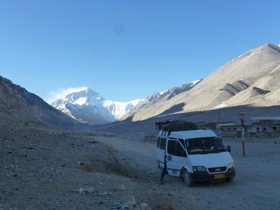 Tibet Highland Tours : Our van at EBC