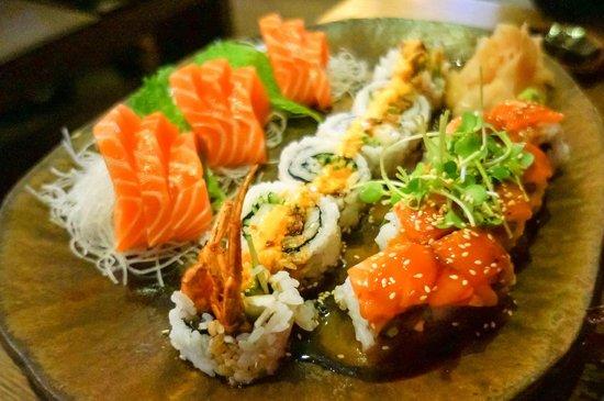 Kuchi: Salmon sushimi, volcano roll & my best friend roll