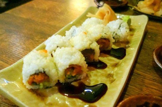 Kuchi: Spicy tuna rolls