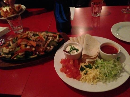 Amigo's Mexican Restaurant: Share plate of fajitas... delicious!