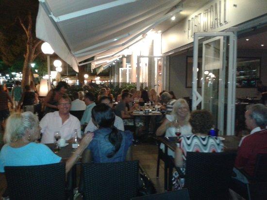 Port O'Call: restaurant pic