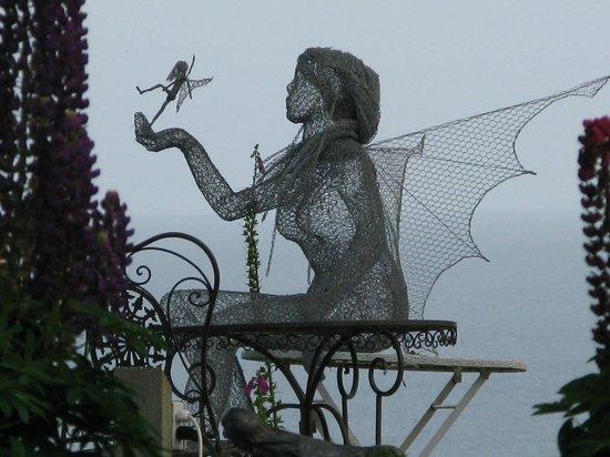Talland Bay Hotel: Fairies in the garden at dusk!