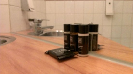 Hampshire Hotel - City Groningen: Hampshire City Hotel uses Rituals bath toiletries. They were very nice. :)