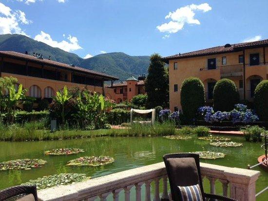 Giardino Ascona : Blick auf den wunderschönen Teich im Hotelinnenhof