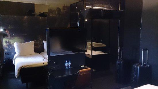 Hotel O  Kathedral : Donker, donker, donker!
