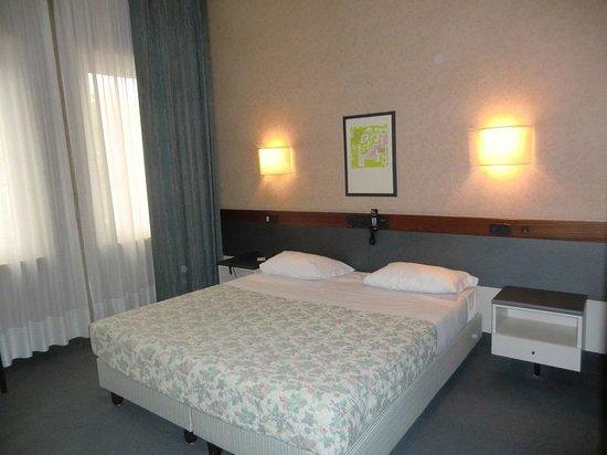 Hotel Friuli: 部屋はごく普通のヨーロッパのホテル。機能的で使い易いホテルです。