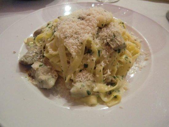 Hotel Friuli: お奨めのパスタはと尋ねたら→とても美味しいパスタでしたよ!