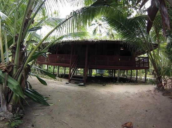 Lissenung Island Resort: Our bungalow