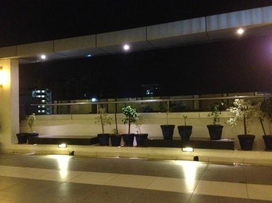 Hampton by Hilton Vadodara-Alkapuri: In the evening, I enjoyed the fresh air.