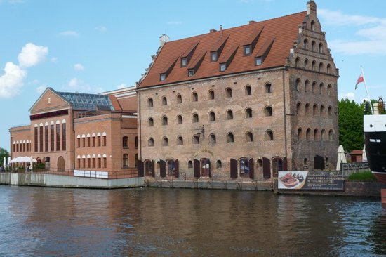 Krolewski Hotel: View of hotel from other side of the river