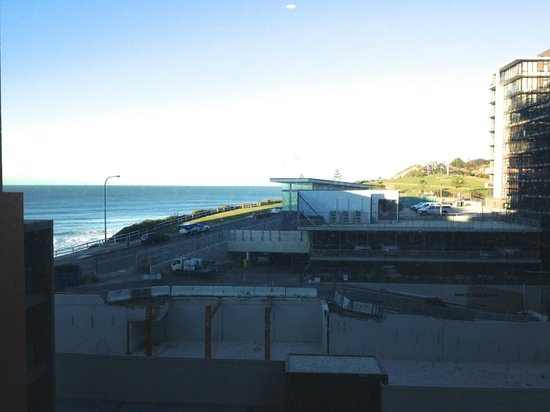 "Novotel Newcastle Beach : What I could see from my ""Ocean View"" room"