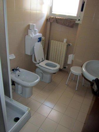 Residenza Turistico Alberghiera Doria: bathroom