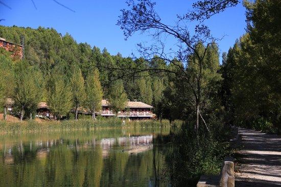 Hotel Rural Noguera de la Sierpe: lago