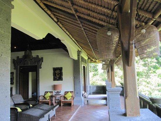 Villa Awang Awang: living area