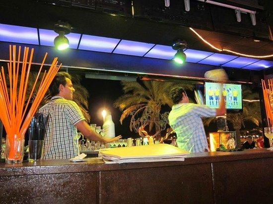 La Sal Salou : Cocktail show - fab bartenders