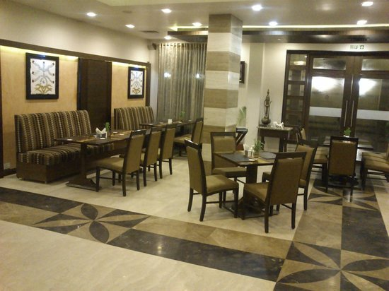 Navidya Restaurant: Other sitting arrangement