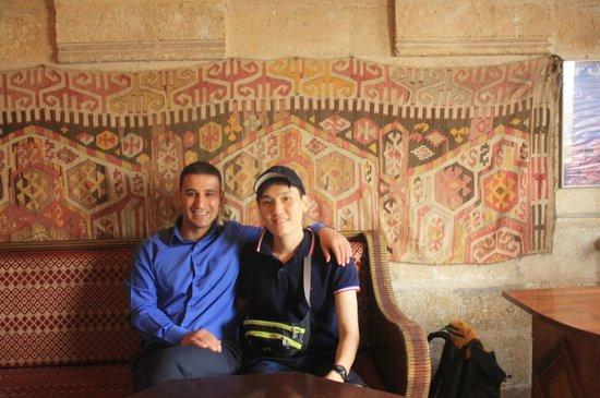 Cappadocia Palace: 친구가된 Bekir와 Kim