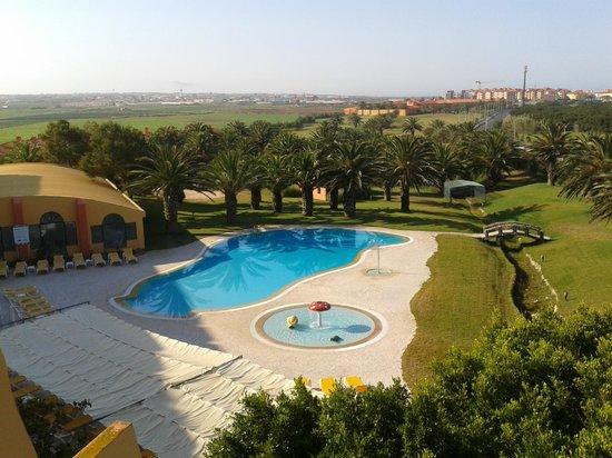 MH Atlantico Golf: Piscina desde la terraza