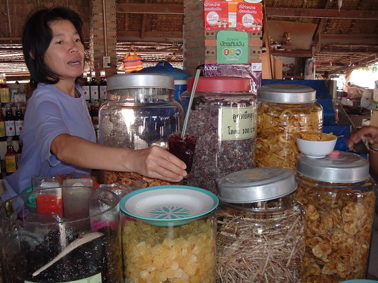 Khao Yoi, Thailand: dry fruits and cashew nuts