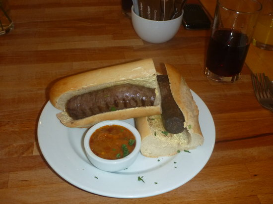 LangeLee's: Delicious boerewors roll with chakalaca sauce