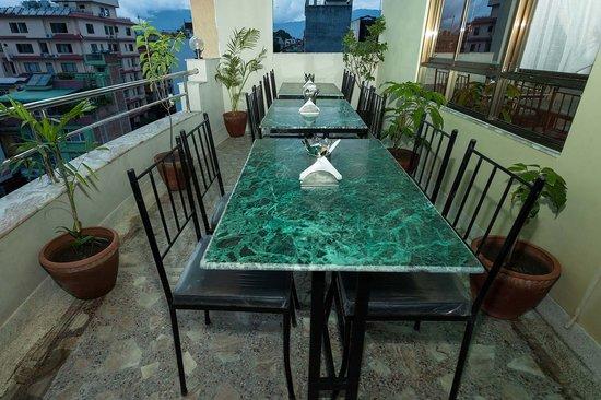 Kathmandu Home Hotel: Rooftop Restaurant