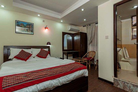 Kathmandu Home Hotel: Deluxe Room