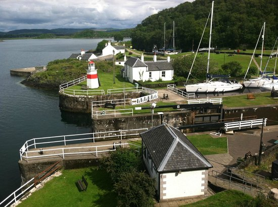 Crinan Hotel: View of canal lock from upstairs gallery