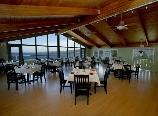 The View Dining Room : Views of Picton Bay from every table.