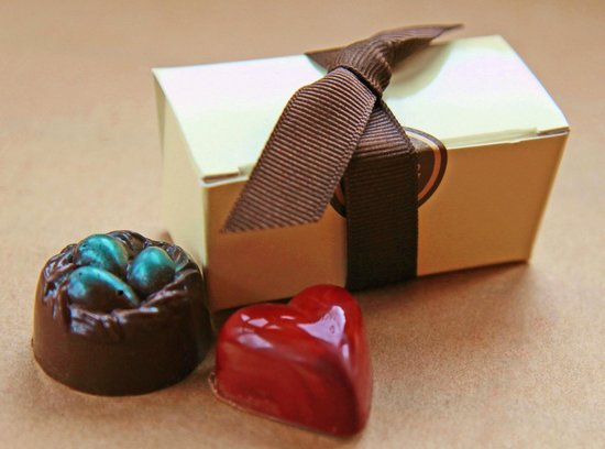 Lake Placid Chocolatier: Favor Box-wonderful party & wedding favors