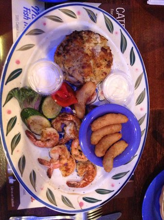 Marietta Fish Market : Maryland crab cake and grilled shrimp