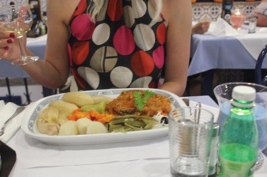 Restaurante Riviera : tasty tuna in tomato & onion sauce