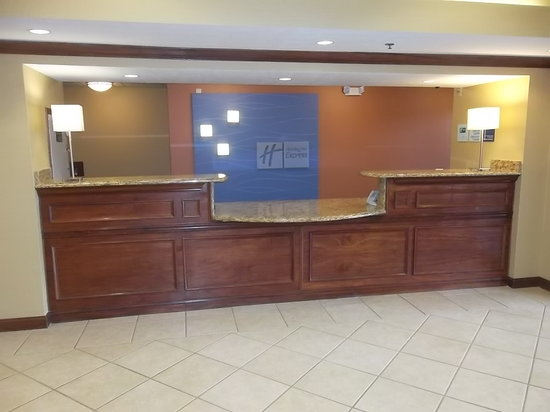 Holiday Inn Express Hotel & Suites Marysville: lobby
