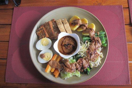 Cocotinos Sekotong, Boutique Beach Resort & Spa: Dabu-dabu for lunch !