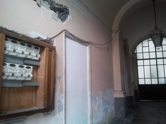 B&B Al Teatro Massimo: Portone d'ingresso
