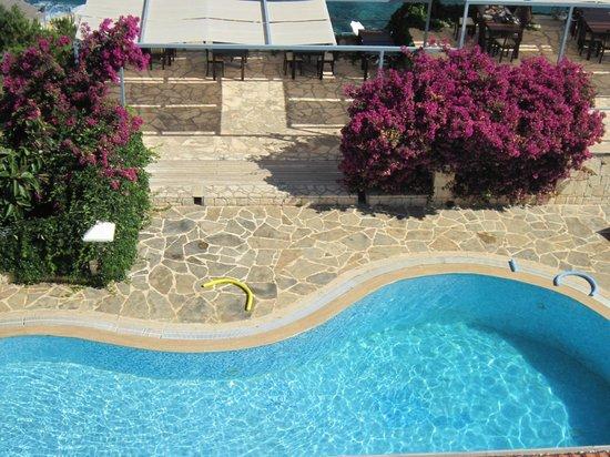 Korsan Ada Hotel: odadan havuz