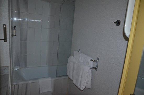 Best Western Hotel Athenee : salle de bains