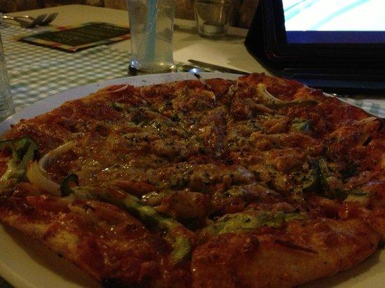 Vintage Bulgaria Restaurant & Bar : Excellent Pizza
