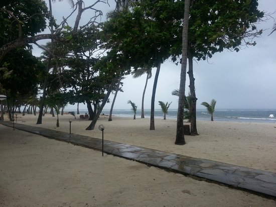 Amani Tiwi Beach Resort: Beach from the beach bar