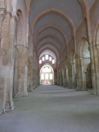 Int rieur de l 39 glise abbatiale picture of abbaye de for Interieur eglise