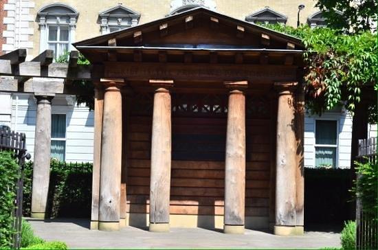 SANDEMANs NEW Europe - London: 9/11 memorial garden. (Beside US embassy.)