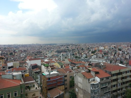 Avantgarde Taksim Hotel: view in the morning