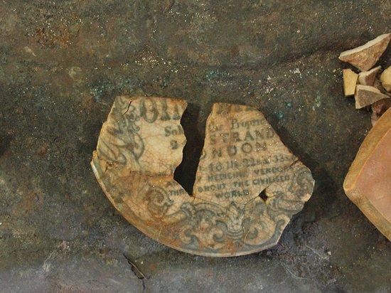 CEDAM Museum: English crockery shard
