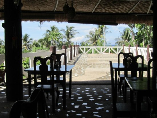 La Petra Beach Resort : Bar and restaurant