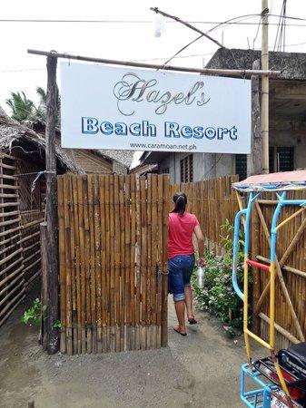 Hazel's Beach Resort: Entrance to the resort