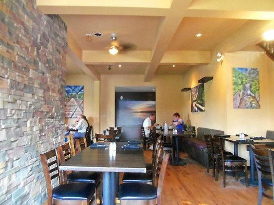 The Granite: Inside view dining room