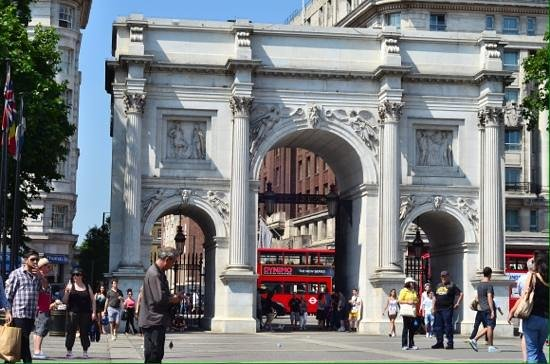Laurence Summers Tour Guide : Marble arch.