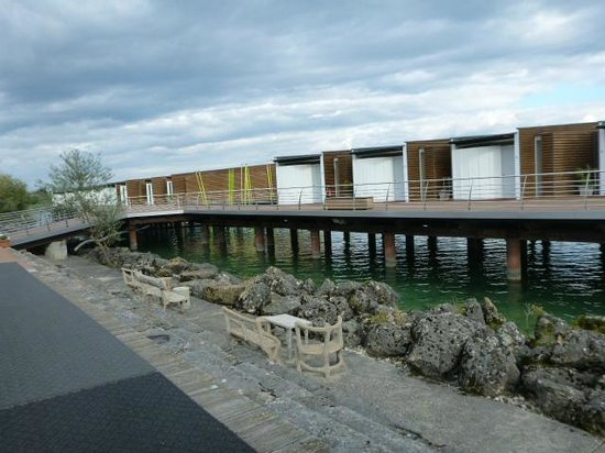 Hotel Palafitte: Rooms on the lake